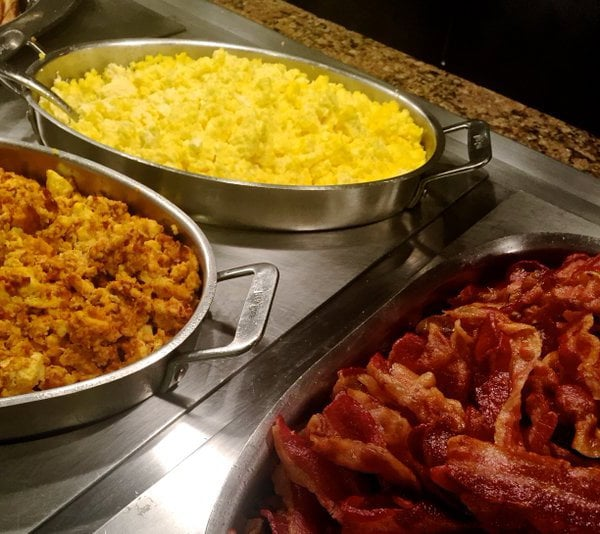 crafted buffet at stratosphere exceeds expectations u2022 vegas bright rh vegasbright com stratosphere brunch buffet price stratosphere hotel buffet price